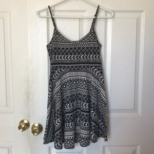 Forever 21 black and white mini dress